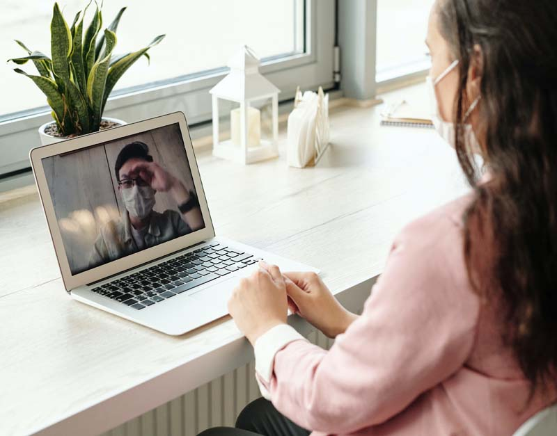 woman-using-her-laptop-on-video-call-403182s1
